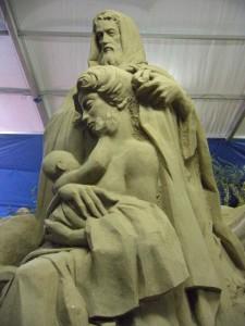 Grandi statue di sabbia nel Presepe di Marina di Ravenna